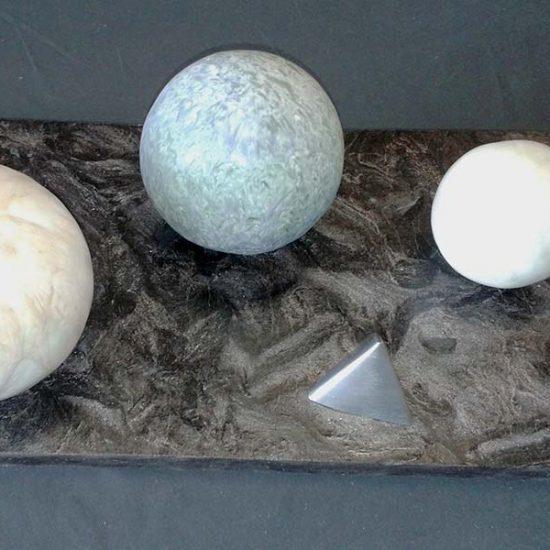 sculpture-zinc-ceramique_balise-cosmique
