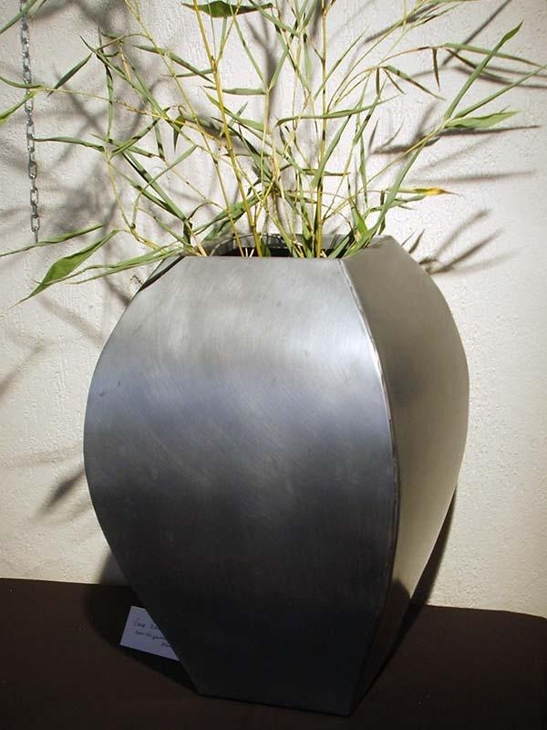 vase-zinc_bombe
